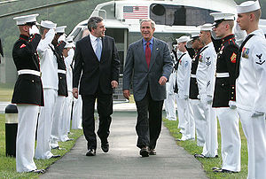 Former President George W. Bush and Prime Mini...